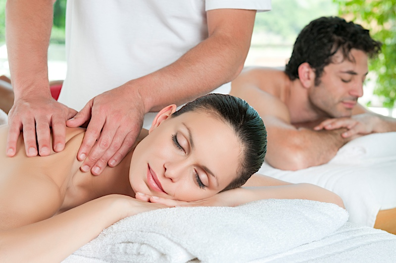 couple-getting-massage